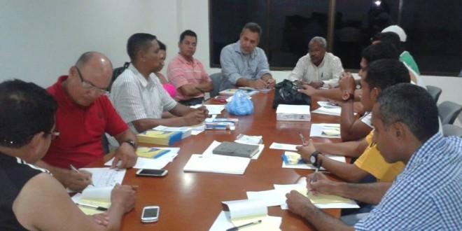 Alfombra Roja Premios Forque together with 1367576433 also 14 in addition Van Tres Muertos Accidente Autobus Occ Provenia Chiapas likewise El Hombre Mas Culpable Que Nunca Del Cambio Climatico. on oscar de leon accidente