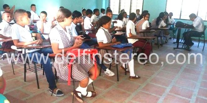 Expiden decretos de aumento y bonificaciones salariales para los docentes