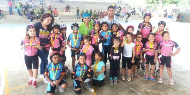 Cienagueritos arrasaron con treinta y una medallas en evento de patinaje en El Retén
