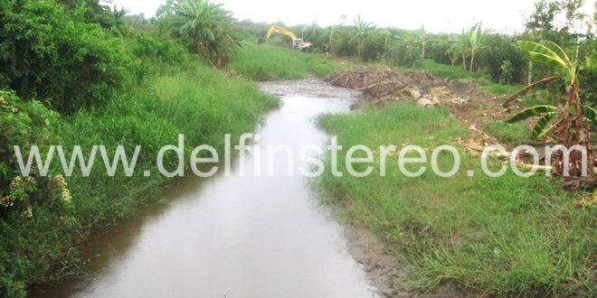 Alcaldía y ASORIOFRÍO firman convenio para limpieza de canales naturales de desagüe