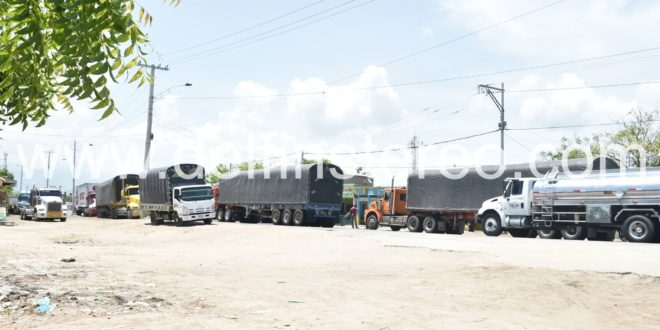 Gobernación y Ruta del Sol instalarán barreras metálicas en Puerto Nuevo para evitar parqueo de tractocamiones
