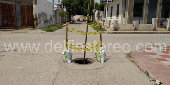 En pleno centro de Ciénaga, calle 9 con carrera 16, esta alcantarilla se encuentra destapada