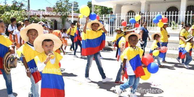 Estudiantes de Ciénaga, protagonistas del tradicional desfile de conmemoración de la Batalla de Boyacá