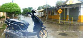 Despojan de motocicleta a una maestra cuando se dirigía a su casa