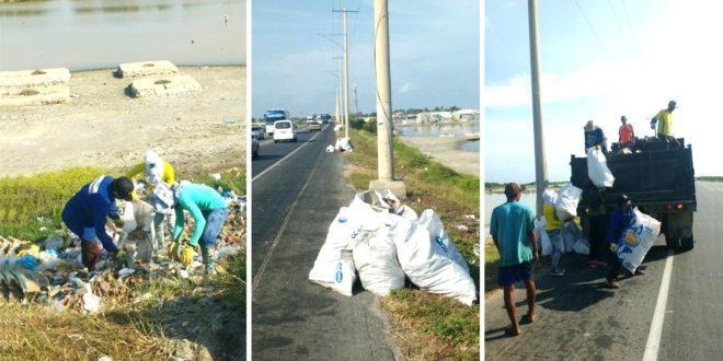 Alcaldía de Puebloviejo lidera jornada de limpieza del corredor vial