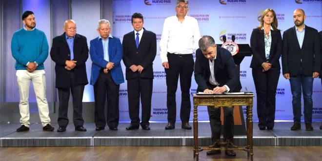 Presidente Santos anuncia acuerdo concertado para incremento del salario mínimo