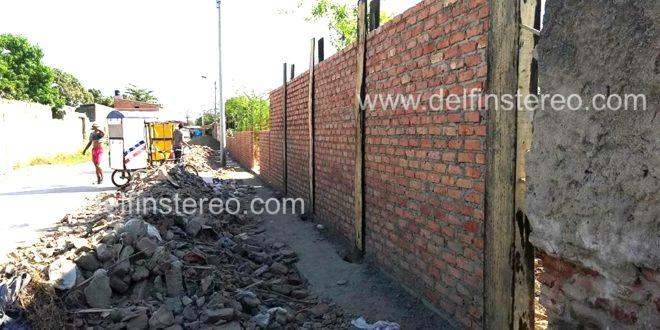 Avanzan trabajos de construcción en la nueva pared reforzada del cementerio San Rafael