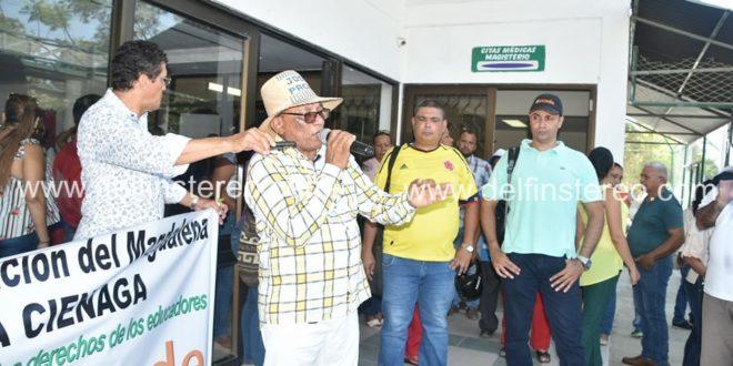 Maestros rechazan pésimo servicio de la clínica General del Norte, en Ciénaga